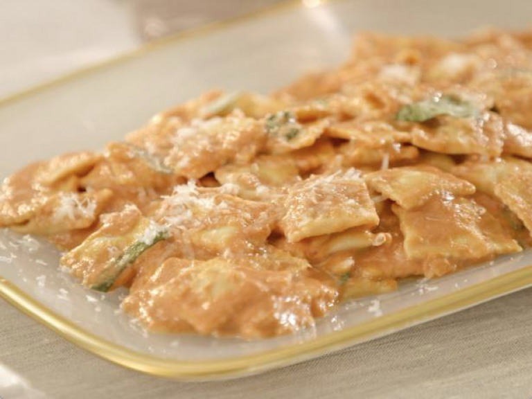 Cheese Ravioletti in Pink Sauce
